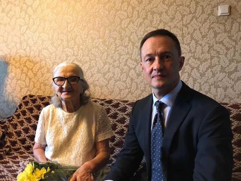 Поздравление со 100-летним юбилеем