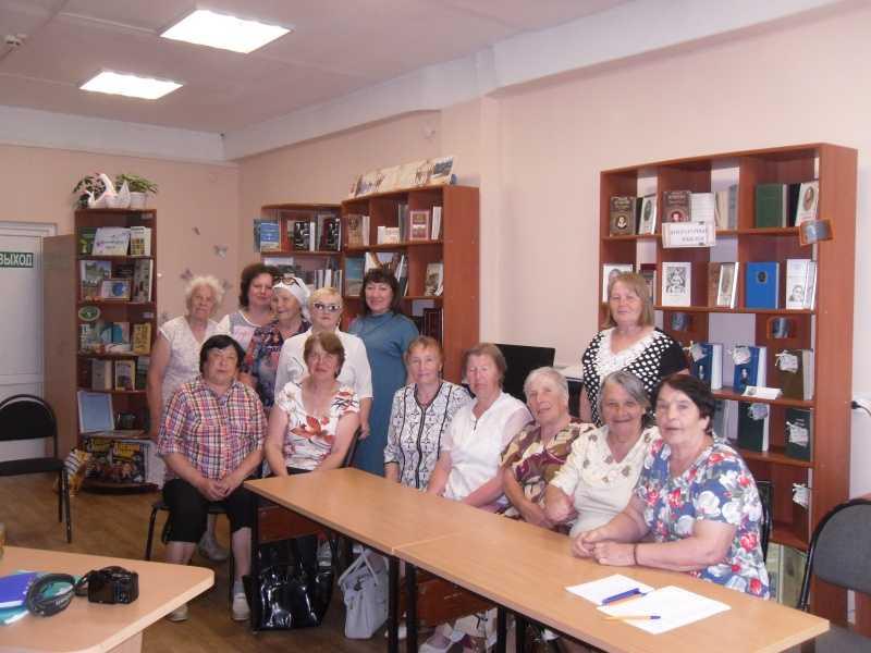 Управлением социальной защиты населения Павловского района была проведена встреча с гражданами пожилого возраста